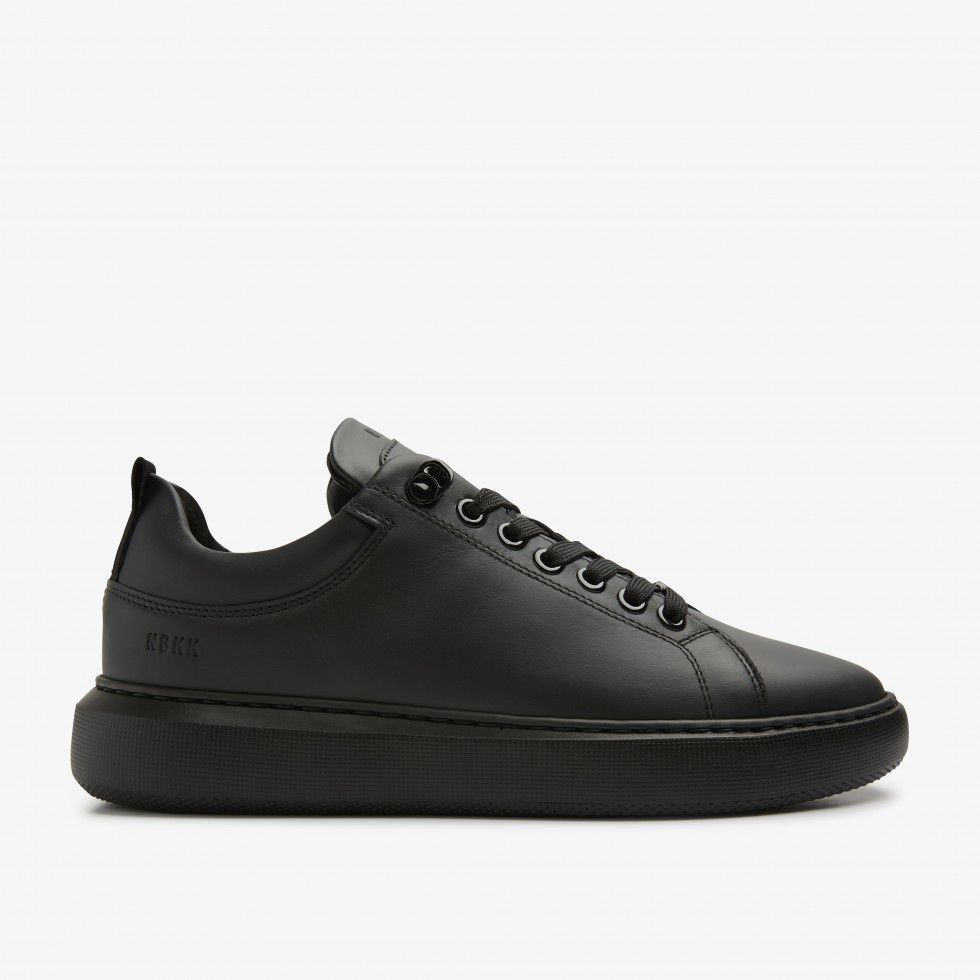 Rox Marlow | Black Sneakers