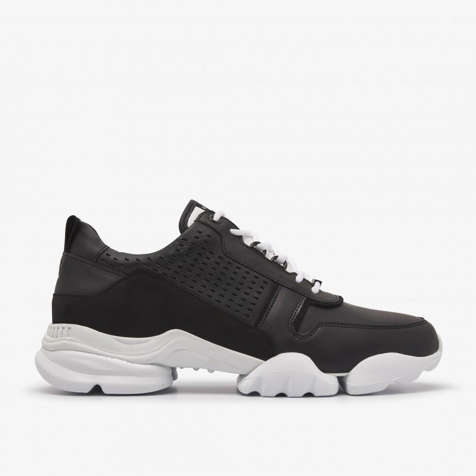 Mylan Maddock | Black Sneakers
