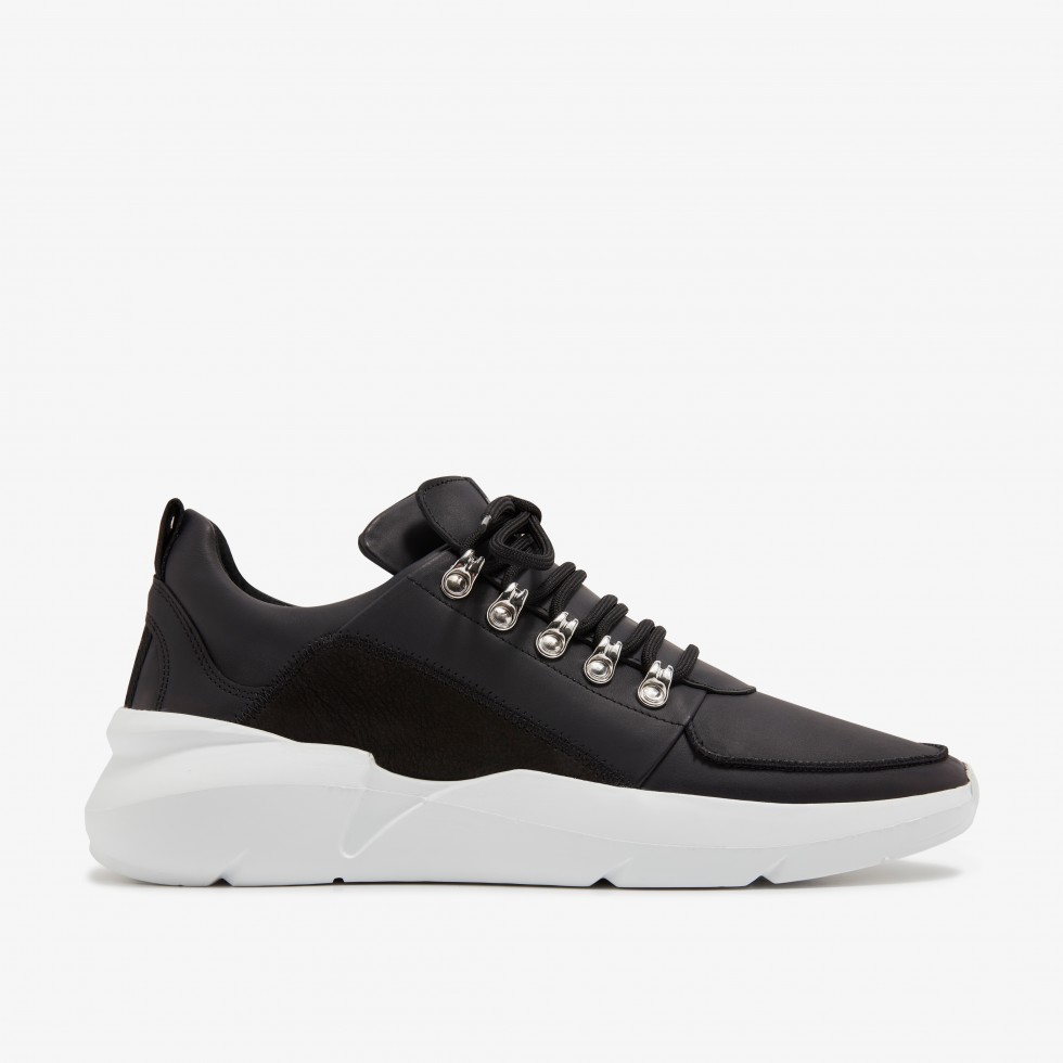 Schwarze Sneaker Elven Royal Nubikk