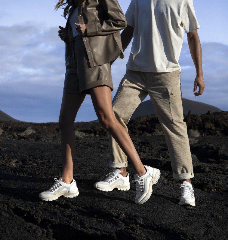 media/image/Tallis-Targa-Mena-White-Leatherkopie.jpg