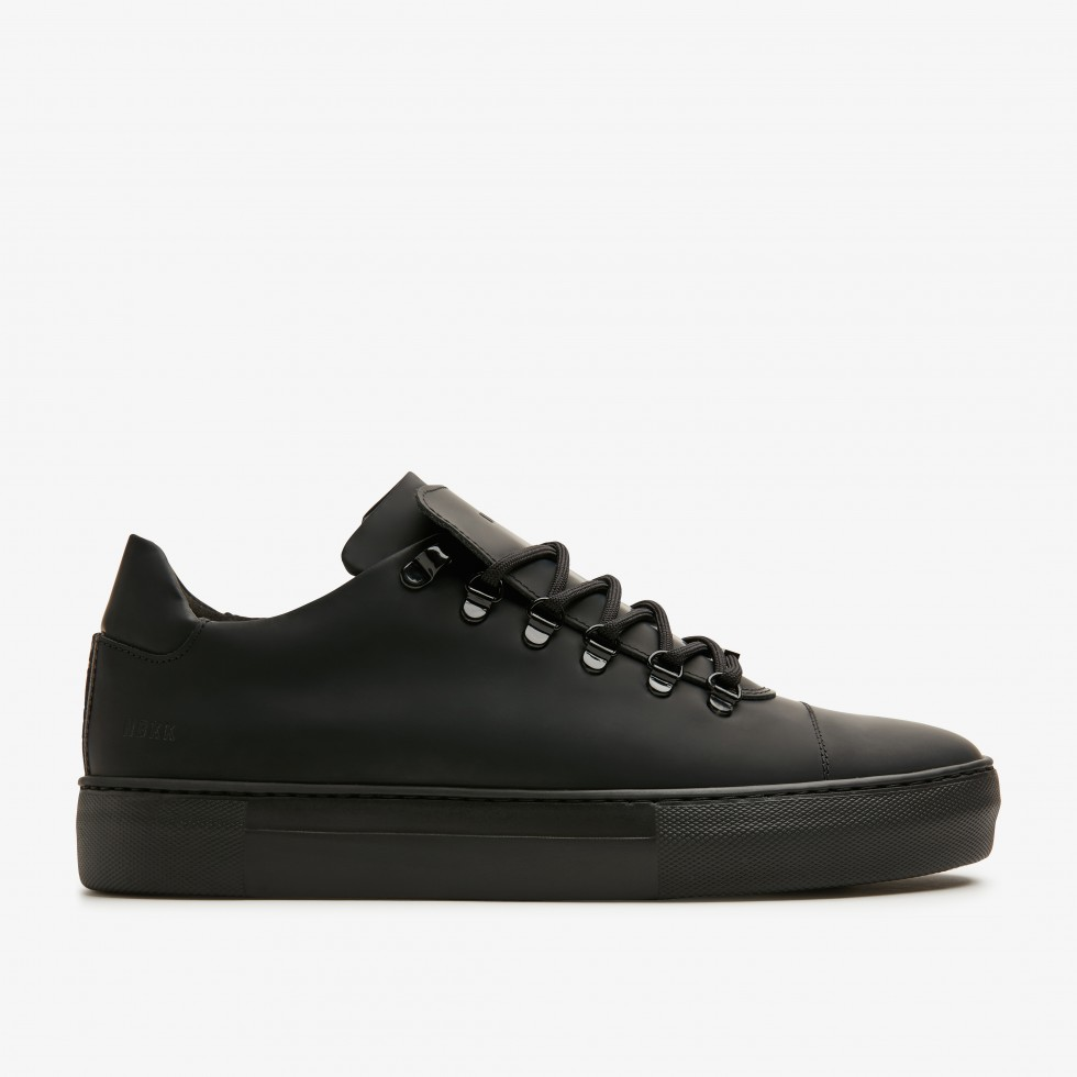 Jagger Gomma | Black Trainers