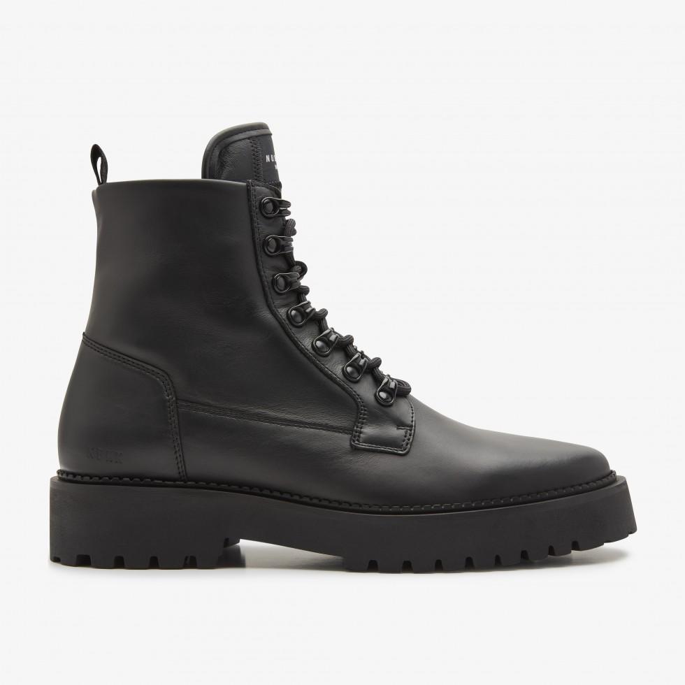Logan Harbor | Black Boots