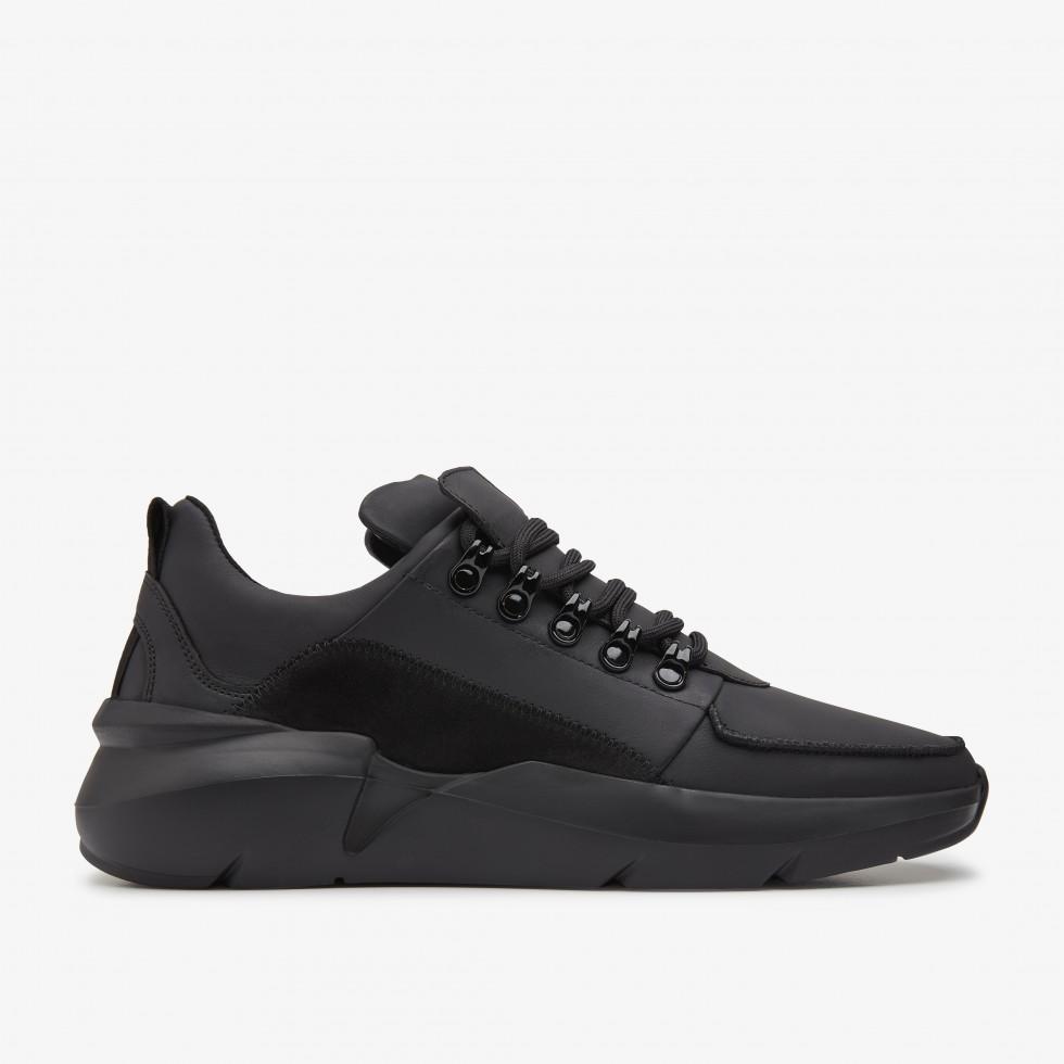 Schwarze Sneaker Elven Royal Raven Nubikk