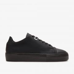 Jolie Aspen Raven | Black Sneakers
