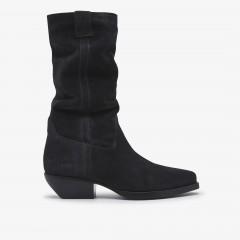Holly Dana | Black Boots